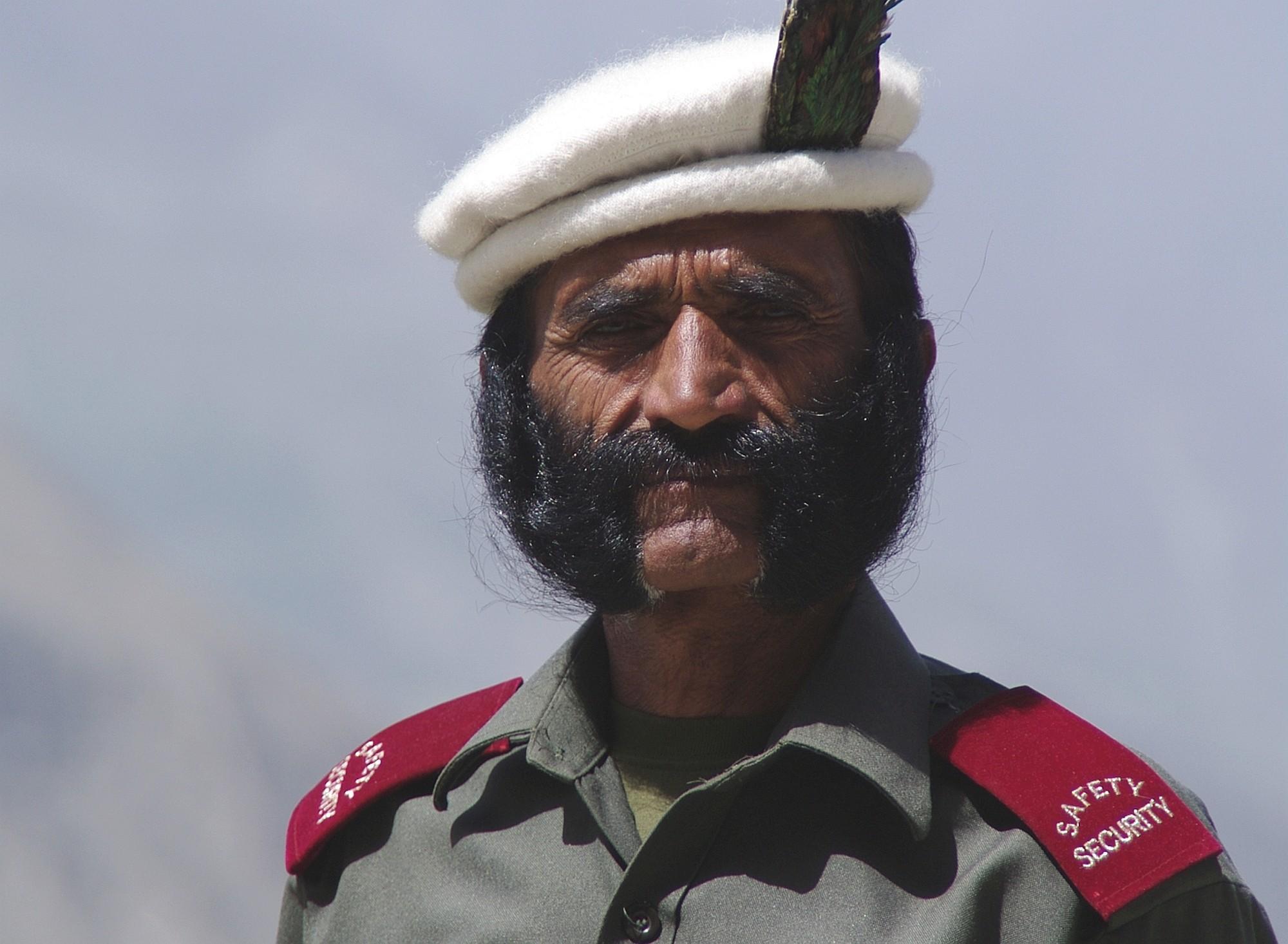 Pakistan opener 011 2000px