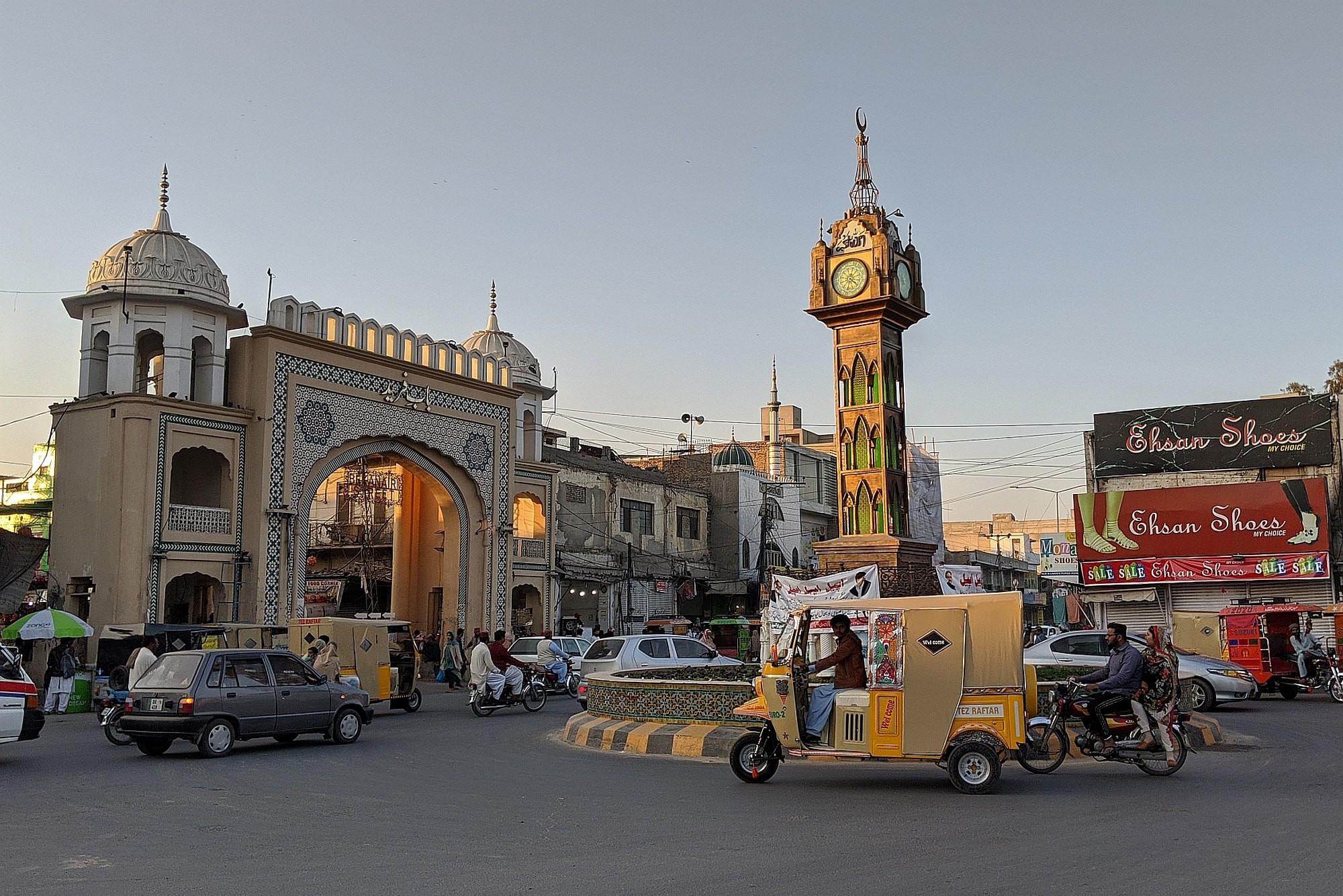 Pakistan Steinhauer 04 2000px