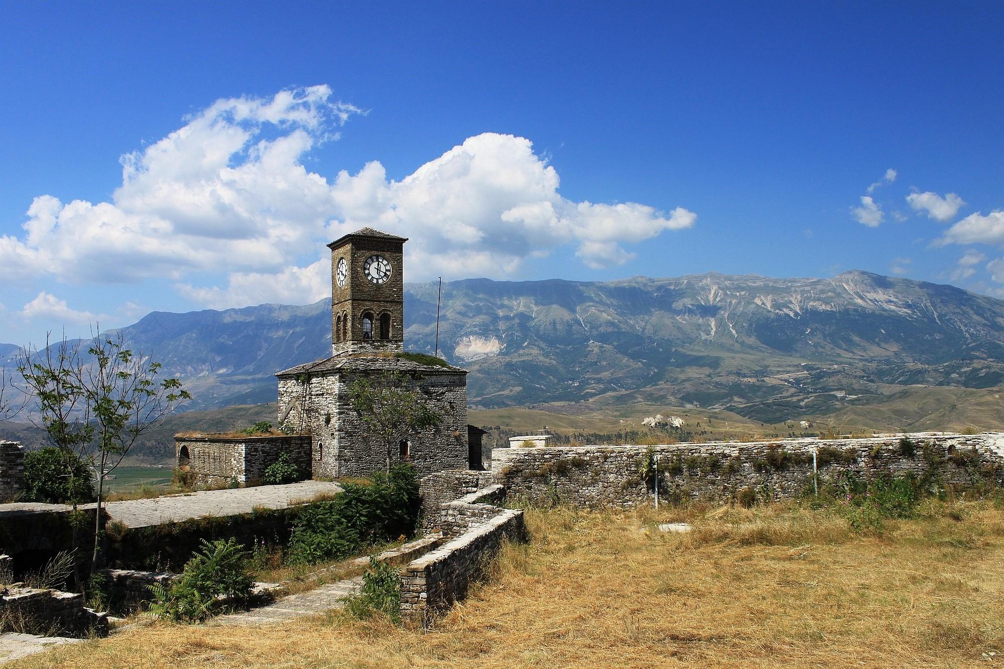 Albanien opener 2000px