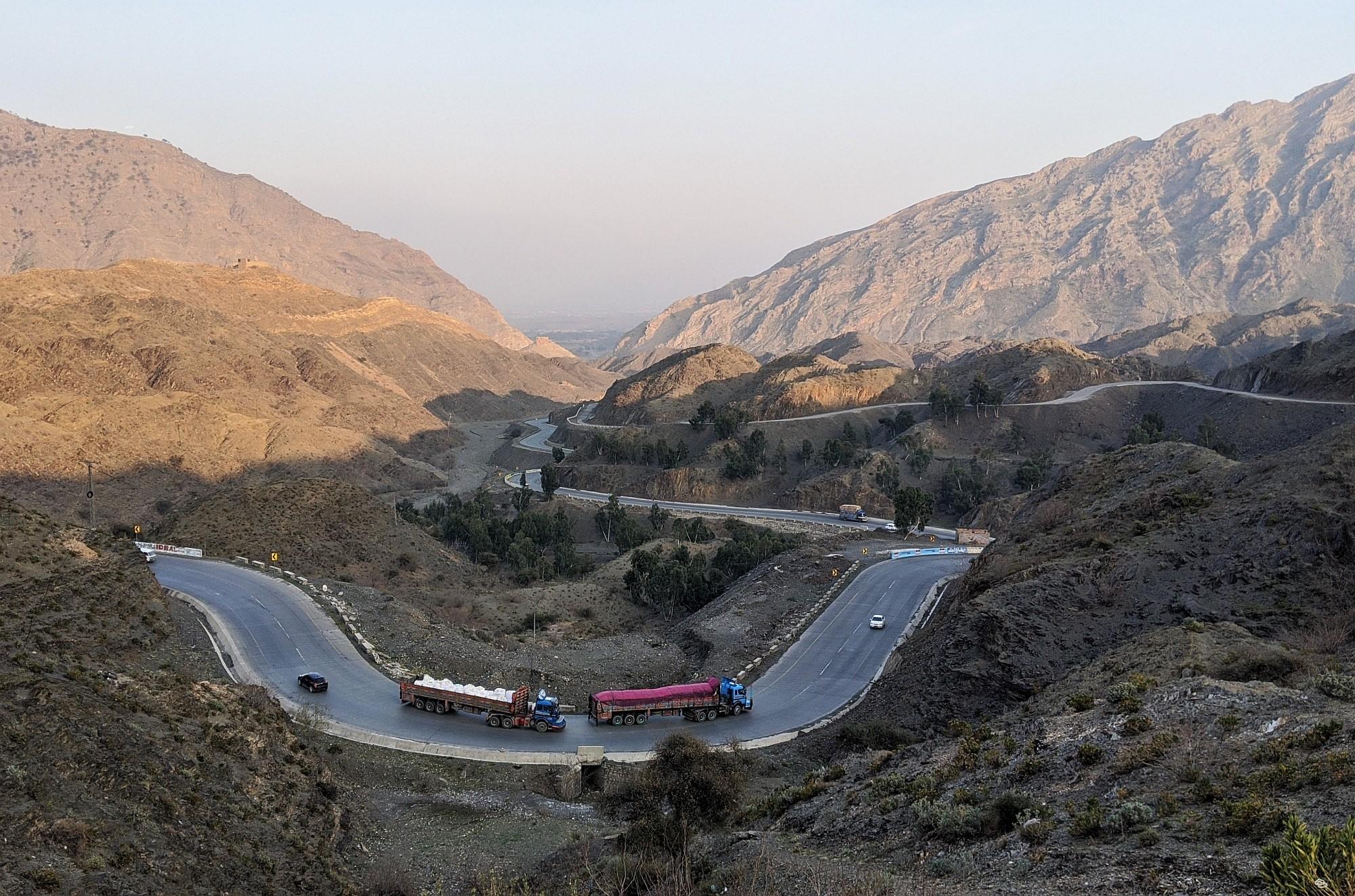Pakistan Steinhauer 07 2000px